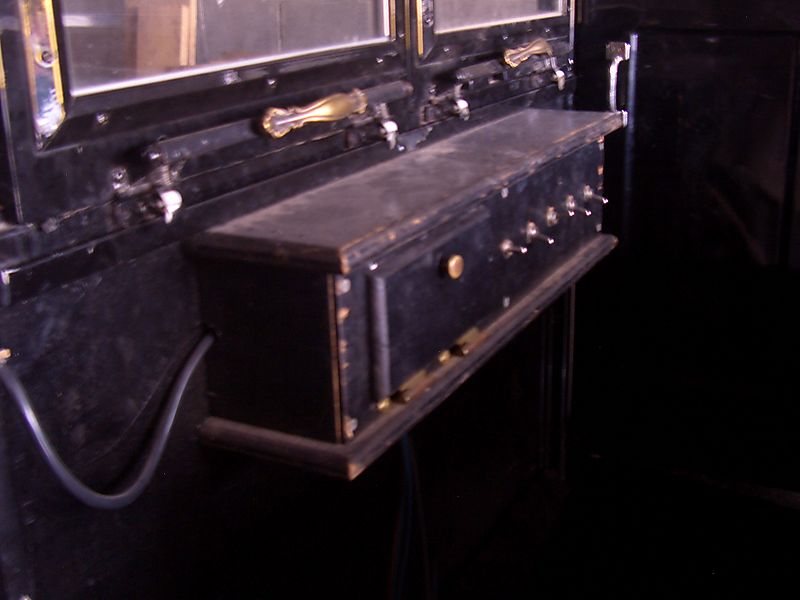 Renno Amish buggy dashboard Big Valley